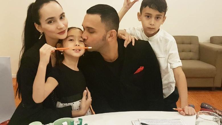 Teuku Zacky dan keluarganya/ Foto: Instagram Teuku Zacky