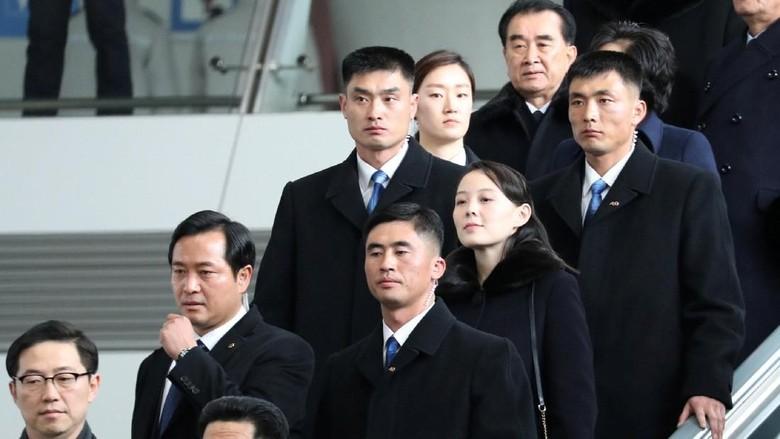 Gaya Adik Kim Jong Un Saat Mendarat di Korsel