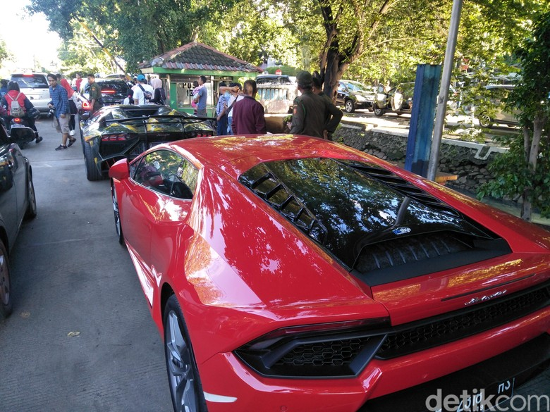 Hotman Paris, Raffi Ahmad, dan Pencinta Lamborghini Ngopi Pagi Bareng