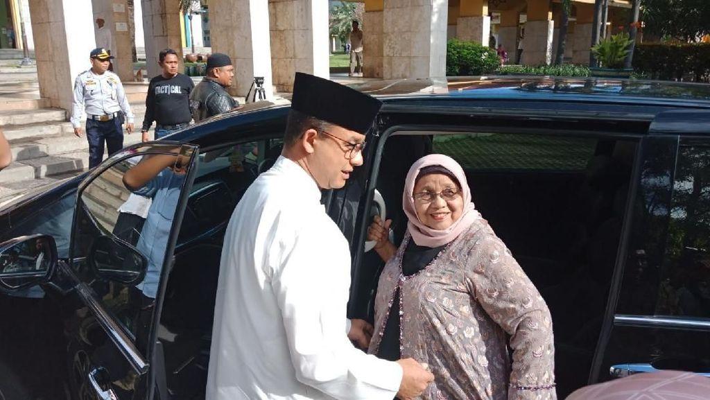 Foto: Anies Hadiri Tabligh Akbar di Masjid Jakarta Islamic Center
