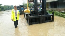Foto: Jalur Cilegon-Anyer Putus karena Banjir