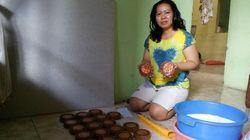 Imlek, Pembuat Kue Keranjang di Mojokerto Raup Jutaan Rupiah