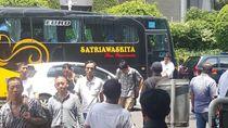 53 WN China Diduga Tenaga Kerja Asing Diamankan di Bus Pariwisata