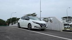 Merasakan Nyamannya Mobil Listrik Terlaris di Dunia