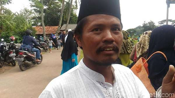 Cerita Waghiyo yang Istrinya Selamat dari Kecelakaan Tanjakan Emen