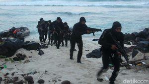 Melihat Aksi Pasukan Intai Amfibi Marinir di Pulau Miangas