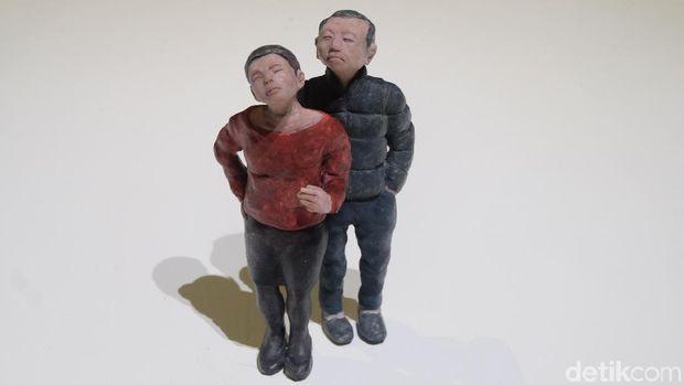 Patung Mini Suryo Herlambang Ceritakan Teori Darwin hingga Mickey Mouse