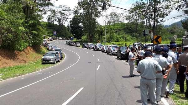 Usut Kecelakaan Bus Maut, Polisi Olah TKP di Tanjakan Emen