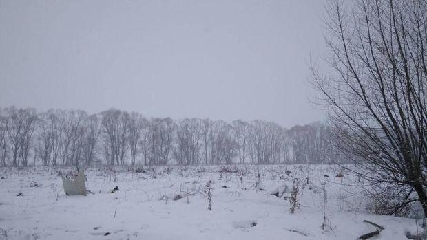 Puing Saratov Airlines yang jatuh di Rusia tersebar di tengah hamparan salju tebal