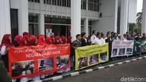 Puluhan Guru Kecewa Sidang Gugatan Ponpes Al Zaytun Ditunda