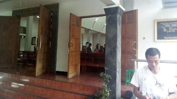 Sebelum Serang Gereja, Suliono Terekam CCTV Menginap di Musala