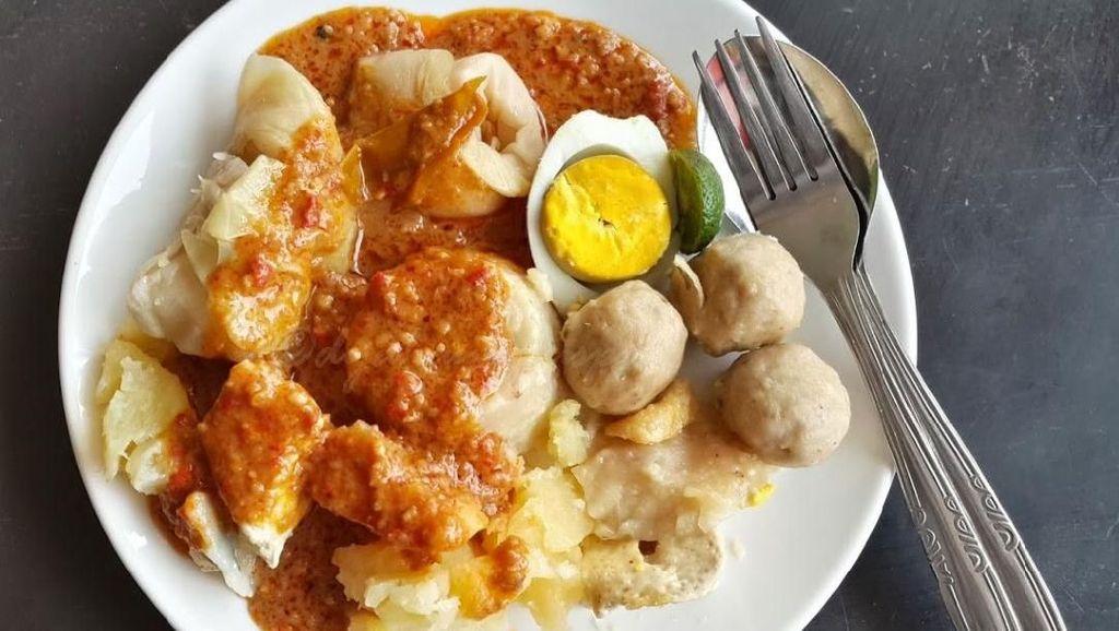 Lapar Sore-sore, Jajan Batagor yang Gurih Pedas di 5 Tempat Ini