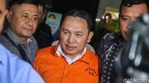 Foto: Bupati Halmahera Timur Ditahan KPK