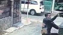 Viral, Pria Maling Burung Terekam CCTV di Bandung