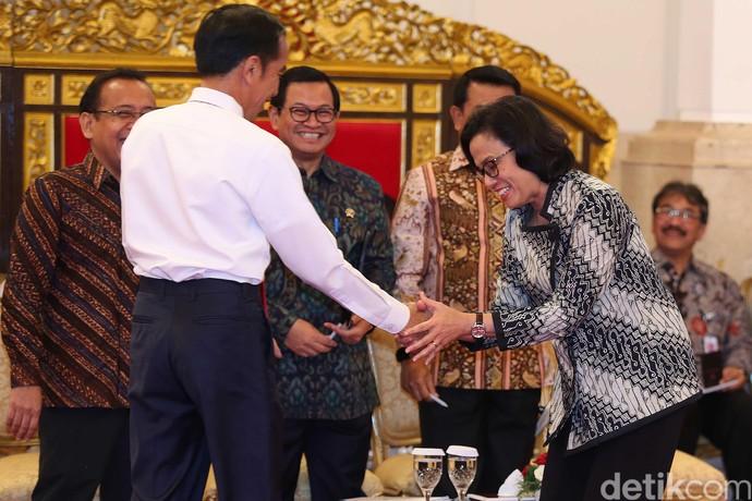 Momen Jokowi Beri Selamat Kepada Menteri Terbaik Dunia