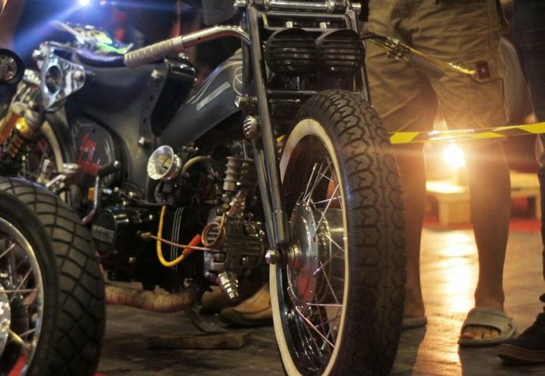 Si Sawunggaling Honda Astrea 800