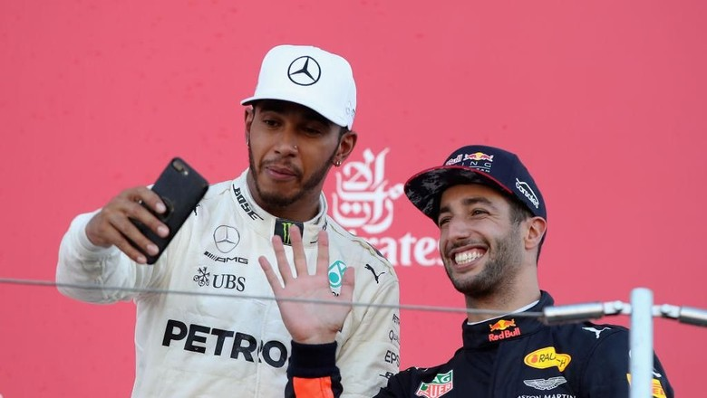 Ricciardo Ingin Jadi Rekan Setim Hamilton, Kode Keras untuk Mercedes