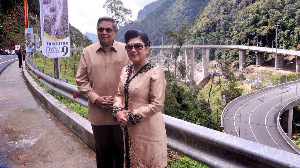 So Sweet, Gaya SBY dan Bu Ani yang Selalu Kompak Pakai Baju Kembaran