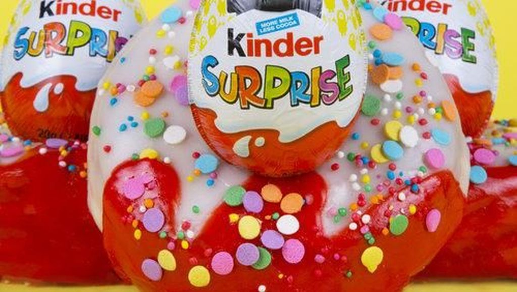 Wah! Kalau Beli Donat di Gerai Ini Dapat Hadiah Telur Kinder Joy