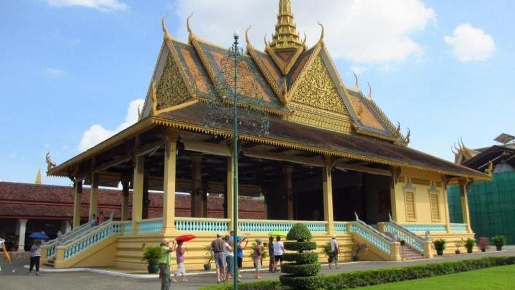 Mengintip Istana Raja di Kamboja