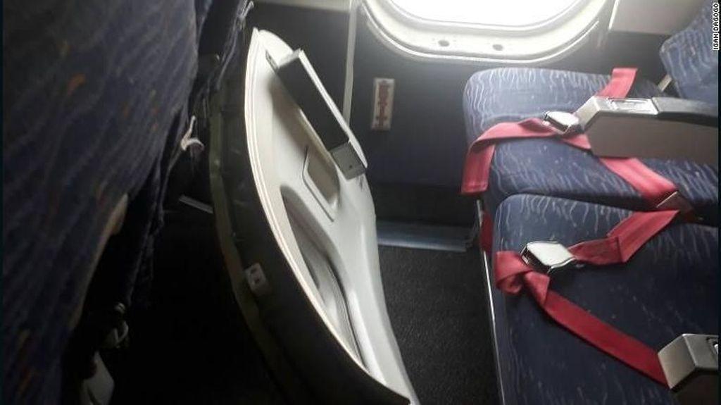 Heboh, Pintu Darurat Pesawat Maskapai Ini Lepas Saat Mendarat