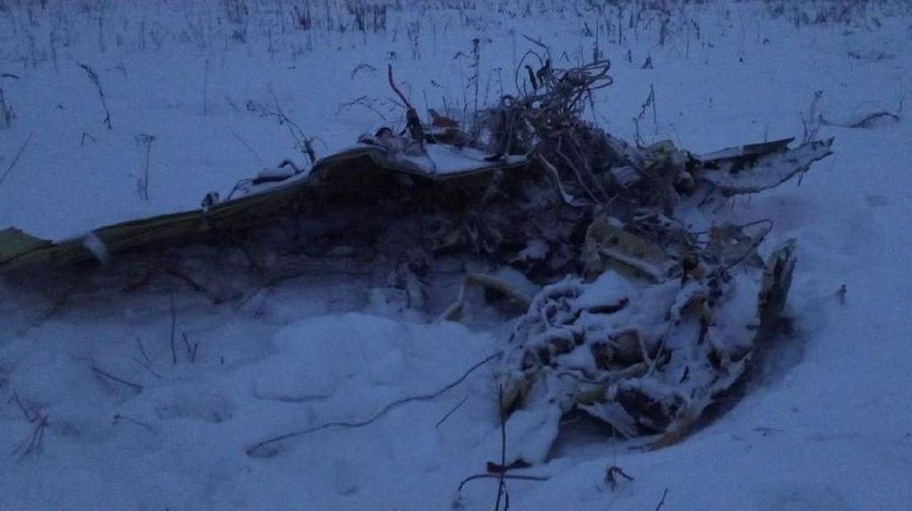 Jasad Korban Jatuhnya Pesawat Rusia Tersebar, Penyebab Diselidiki