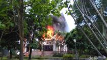 Gedung Pemprov Bali Terbakar, Pegawai Berhamburan
