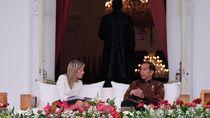 Jokowi Terima Ratu Maxima di Beranda Istana, Berbincang Akrab