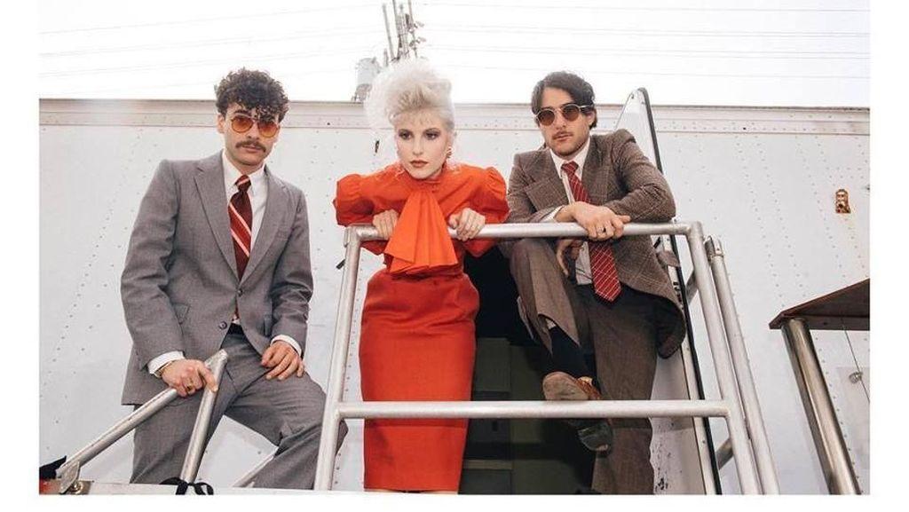 Promotor Masih Cari Tanggal Pengganti Konser Paramore