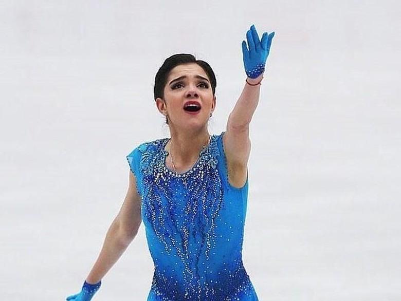 Lucky! Atlet Rusia yang Nge-fans EXO Dapat Album Bertanda Tangan