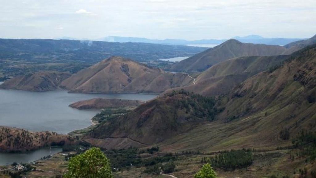 Tempat Terbaik Melihat Danau Toba