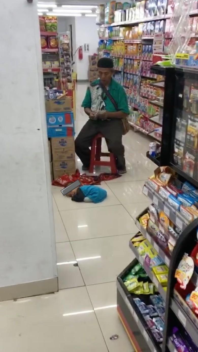 Dinsos DKI Masih Telusuri Balita Tergeletak Lemas di Minimarket