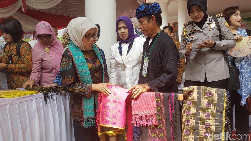 Mufidah Kalla Nilai Tenun Baduy Bisa Jadi Produk Fashion Unggulan