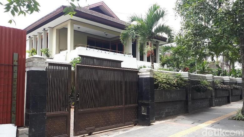 Fuad Amin Singgah ke Rumah Mewah, Anggota DPR: Itu Tidak Boleh!