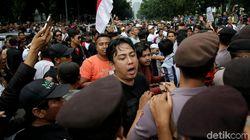 Video Kericuhan Aksi Aliando dan Polisi, Sempat Saling Dorong