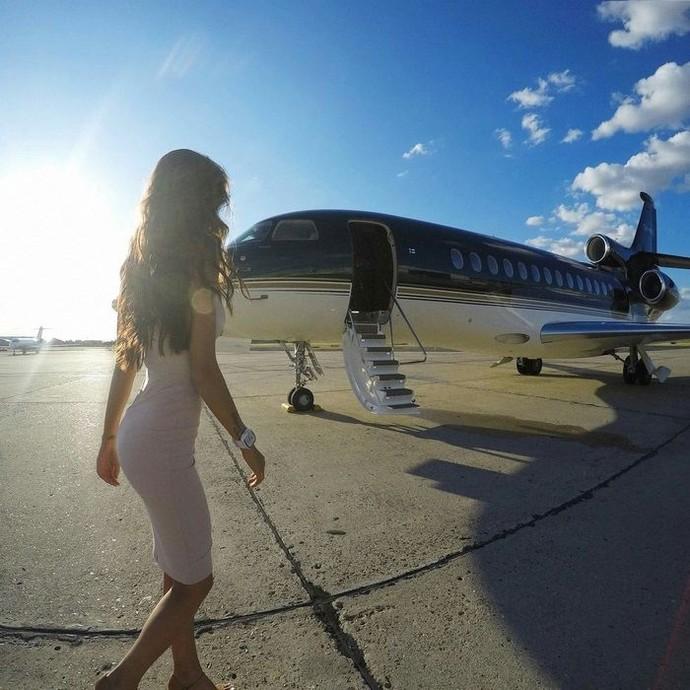 Sewa Jet Pribadi Cuma Buat Posting di Instagram? Boleh Kok
