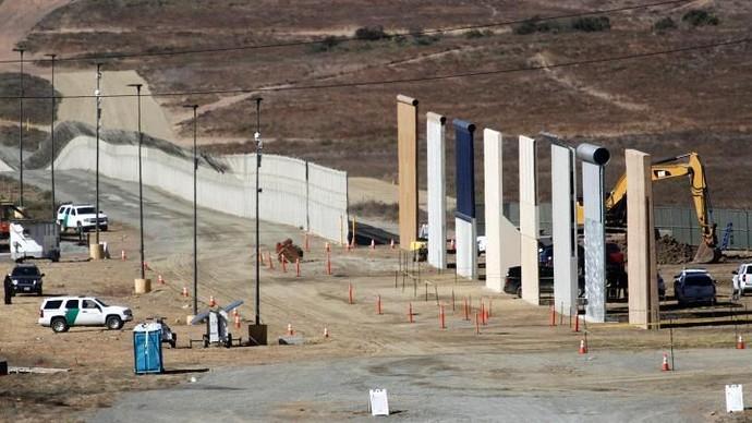 Prototipe Tembok Raksasa Trump Muncul ke Publik