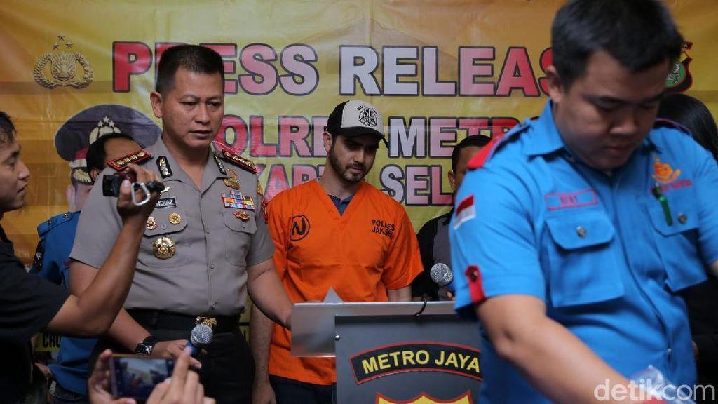 Polisi Temukan Barang Bukti Narkoba Berserakan di Ruang Khusus Milik Fachri