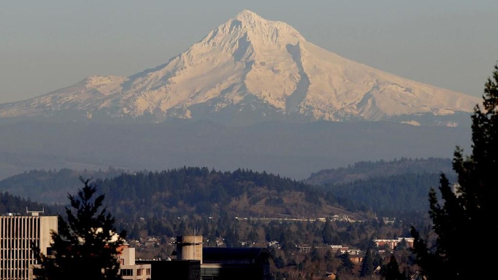 Foto: 1 Orang Tewas Saat Mendaki Gunung Hood di Oregon