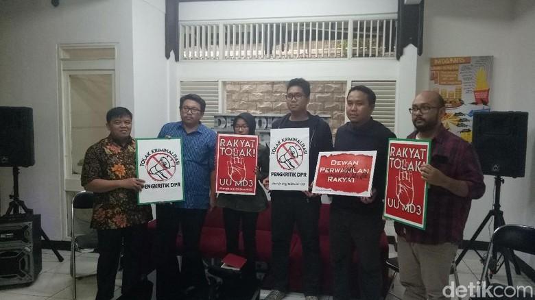 Kontroversi Revisi UU MD3, Jokowi Diminta Keluarkan Perppu