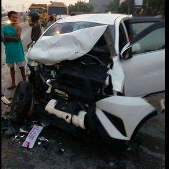 Foto Terios yang mengalami kecelakaan beredar di grup WA (Foto: istimewa)