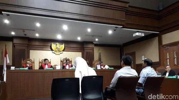 Kurir Akui Pernah Diminta Novanto Ambil Rp 2,5 M dari Money Changer