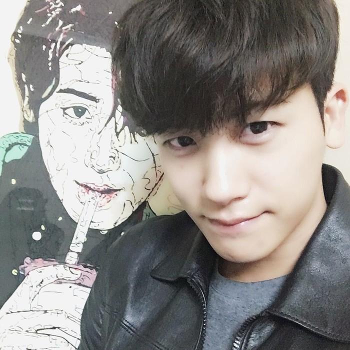 Hyungsik sebenarnya debut sebagai vokalis grup ZE:A. Namun popularitasnya justru melejit sebagai aktor drama. Salah satunya Strong Women Do Bong Soon bersama Park Bo Young. (Foto: Instagram/phs1116)