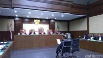 Fredrich: Cegah Ajudan Novanto, KPK Takut-takuti Polri dan Advokat