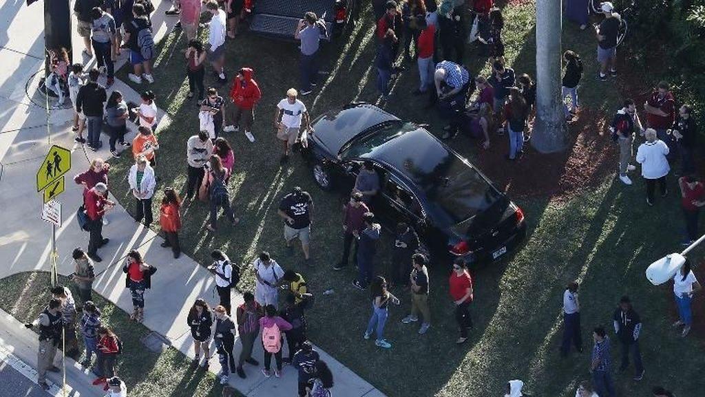Penembak Brutal di Sekolah Florida Pernah Mengancam Teman-temannya