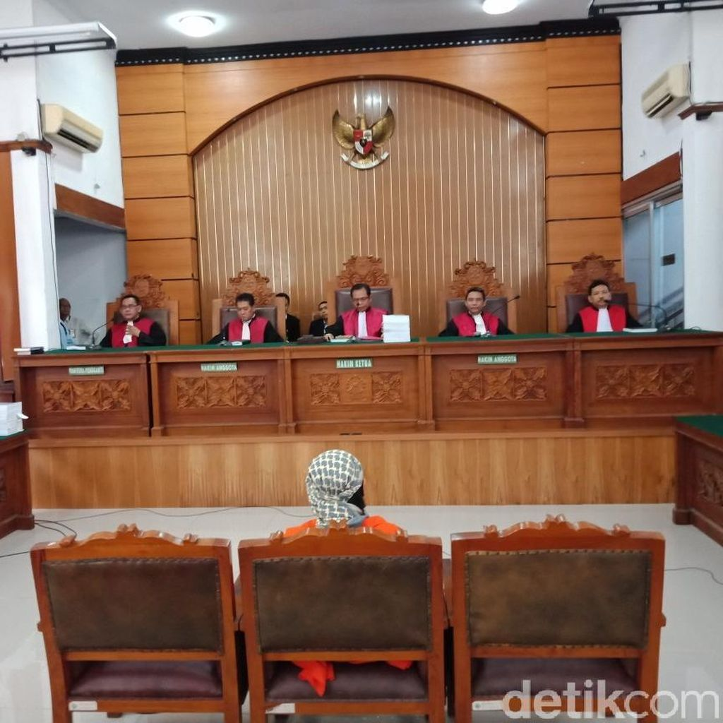 Tanggapi Saksi, Aman Abdurrahman: Saya Tidak Tahu Soal Bom Thamrin