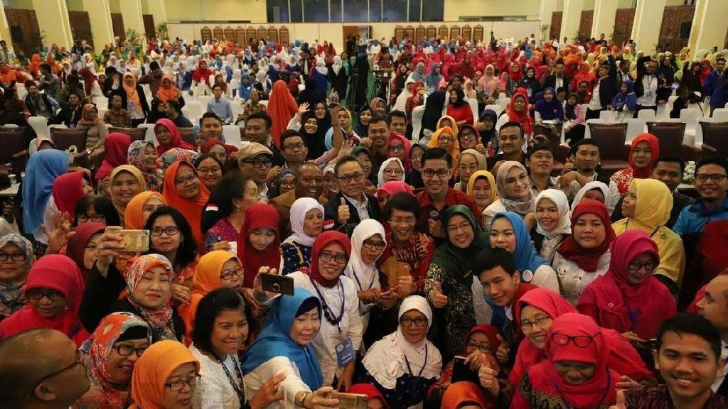 Ditemani Kak Seto, Ketua MPR Sampaikan Terima Kasih pada Guru PAUD
