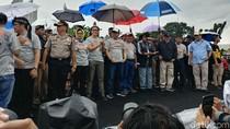 Hujan Sambut Kampanye Damai Pilwalkot Bandung