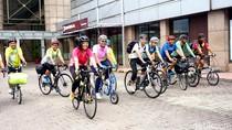Mengenal Rocketers, Komunitas yang Menggagas Sepeda Hantu di Jl Gatsu