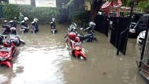 Kampus UNJ Sempat Kebanjiran Gara-gara Hujan Deras